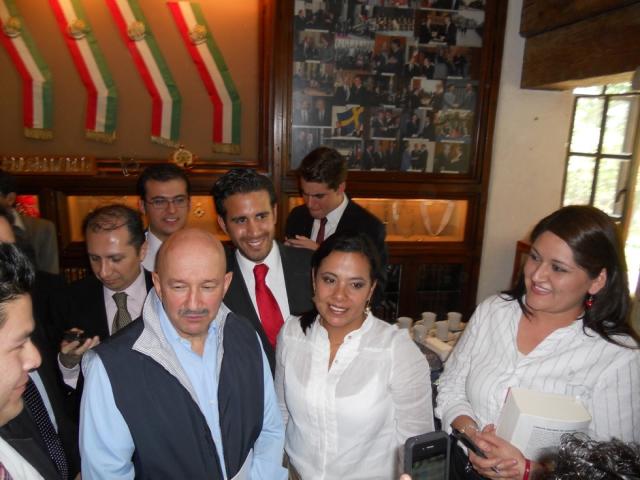 Alcar Aponte conductora de RCMultimedios asistió a la reunión de Carlos Salinas de Gortari con los Cibernautas del PRI
