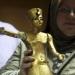 Encuentran maleta en el metro con piezas robadas de Tutankamón