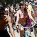 Ciclistas sin ropa exigen respeto a su derecho de circular