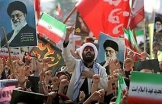 Irán...arrestados por insultar al Ayatolá Jamaneí por WhatsApp
