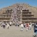Teotihuacan...miles acuden a recibir el equinoccio de primavera