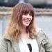 Anne Hathaway... sorprende con un look desaliñado