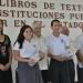 Tabasco... entrega Arturo Núñez libros de texto a nivel medio superior