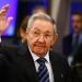Raúl Castro llegó a París ...el lunes será recibido por Hollande