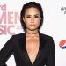Lovato...posó desnuda para inducir a que las mujeres amen su cuerpo