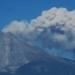 Volcán de Colima...emitió exhalación con mil 800 metros de altura