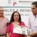Liconsa...entrega cartillas sociales en Michoacán