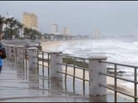 Javier se debilitó a depresión tropical en Cabo San Lucas