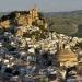 España...Montefrío sorprende por su silueta fortificada