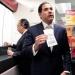 Escudero se escuda en la demagogia...donó 140 mil pesos