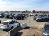 Bélgica..hombre intentó embestir a una multitud en Amberes