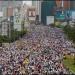 Miles de opositores marchaban en silencio este sábado en Caracas