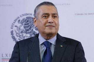 CRÓNICA POLÍTICA: La obsesión de Manlio y el ejemplo del gobierno de Cué