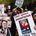 Trump..lo reciben en NY al grito de tus políticas no son bienvenidas