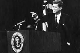 EEUU...celebró el centenario del natalicio de John F. Kennedy