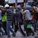 El sismo da el golpe final: la sociedad va contra los partidos