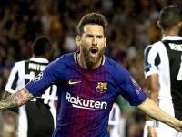 Messi..metió dos goles y colaboró en otro...3-0 a la Juventus