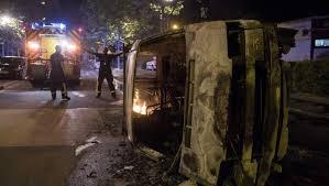 Francia: La escoria sigue viva.