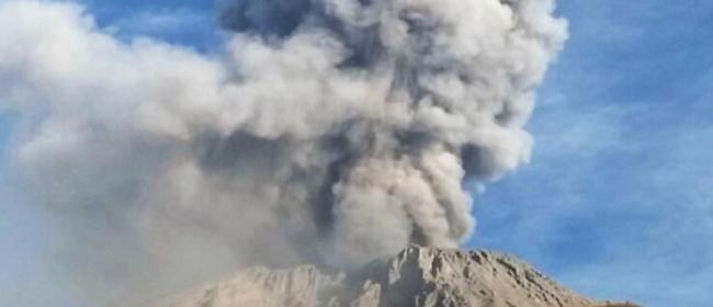 Evacuan diez localidades peruanas tras explosiones del volcán Ubinas