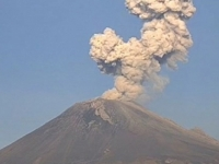 Volcán Popocatépetl presenta actividad explosiva esta mañana