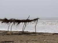 Huracán Lorena toca tierra al este-noreste de Playa Pérula, Jalisco