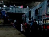 Metro de Santiago abre parcialmente tras tres días de destrozos